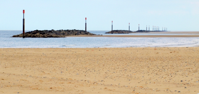 I find a wonderful beach at Sea Palling, Ruth's coastal walk