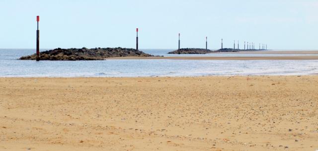 I find a wonderful beach at Sea Palling, Ruth's coastal walk