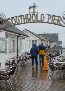 Southwold Pier, in the rain - Ruths coastal walk