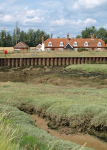 Old Hall Farm houses: Ruth's coastal walk in Essex