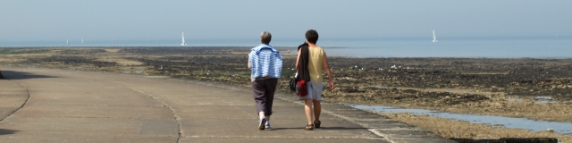 Birchington to Epple Bay, promenade, Kent. Ruth walks the coast.