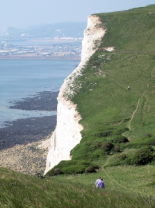 Going down into Fan Bay, Ruths coastal walk, Kent