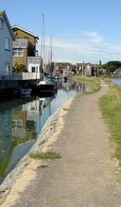 Slipper Mill Pond, Ruth walks around the coast (2)