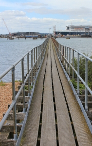 long pier - mouth of the Itchen, Ruth walks around the coast