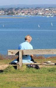 artist on Hengistbury Head, Ruths coast walk