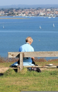 artist on Hengistbury Head, Ruths coast walk