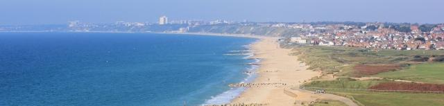looking towards Bournemouth - Ruth walks around the coast of the UK