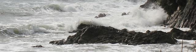 crashing waves, Cornwall, South West Coast Path, Ruth Livingstone