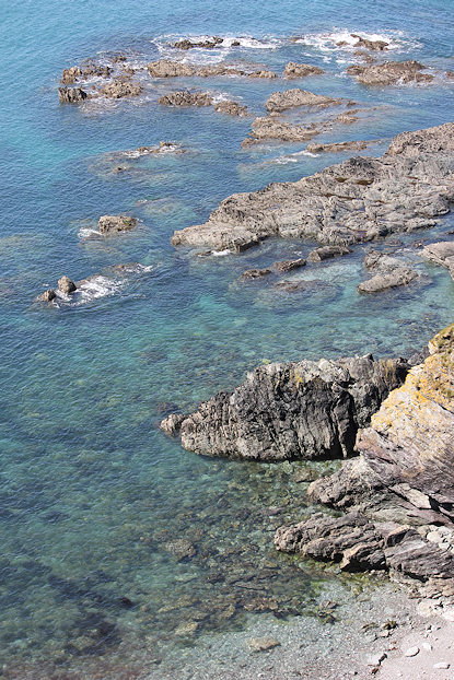 clear water and rocks, Cornwall, photo by Ruth Livingstone