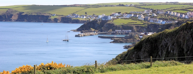 approaching Mevagissey, Ruth's coast walking