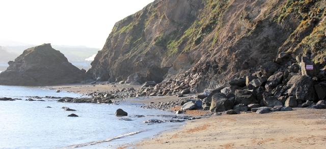 landslip on Polkerris Beach, Ruths coast walk