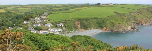 05 Porthallow from footpath above, Ruth's coastal walk, UK
