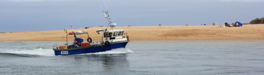 boat coming up into Hayle Harbour, Ruth Livingstone