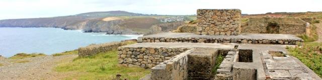 ruins on way to Porthtowan, Ruth walking the coast, SWCP, Cornwall