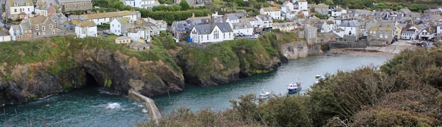 Port Isaac, Ruth walking around the coast of the UK