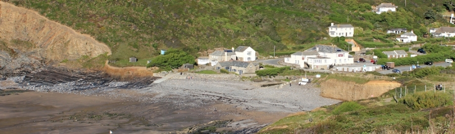 Crackington Haven, Ruth on the SWCP, north Cornwall