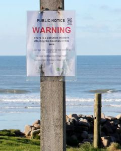 Pollution incident, Northcott Mouth, Ruths coastal walk, north Cornwall