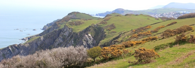 looking ahead to Ilfracombe and the Hangmans, Ruth on the SWCP, Devon