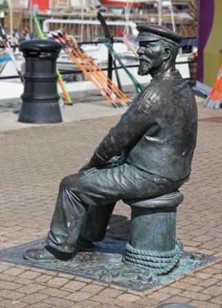 b21 Yankee Jack, Watchet Harbour, Ruth walking the coast in Somerset