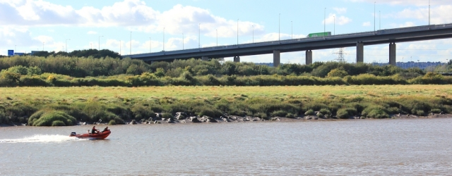 b01 M5 crossing River Avon, Ruth walking up the Severn Way