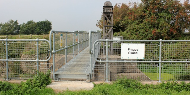 b04 Phipp's Sluice, Ruth walking in North Somerset