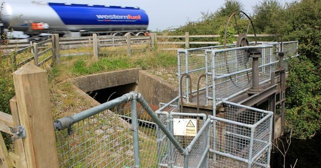 b06 culvert under the M5, Ruth walking in North Somerset