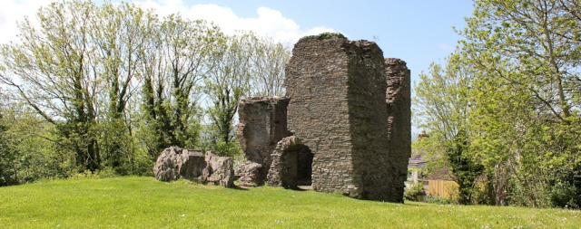 Loughor Castle, Ruth walking in Wales