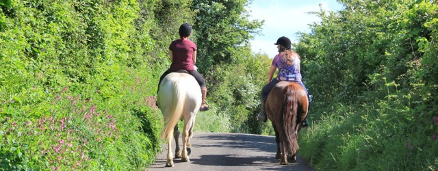 a14 horseriders, road to Ferryside, Ruth hiking in Wales
