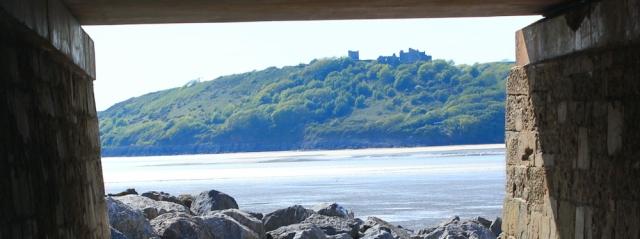 a17 Llansteffan castle, from Ferrybridge, Ruth walking in Wales