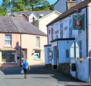 pub at Ferryside, Ruth's coastal walk, Wales