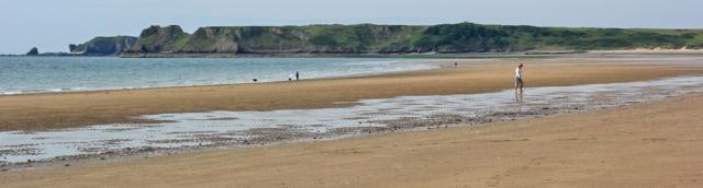 02 Giltar Point, Ruth walking the coast, Tenby