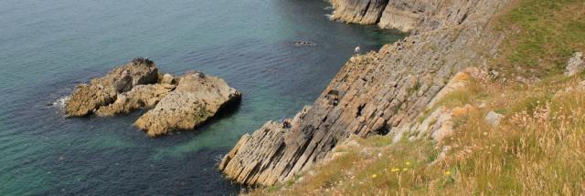 07 climbers on rocks, Ruth livingstone near Penally, Wales