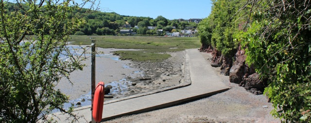 lower path to Laugharne, Ruth in Wales