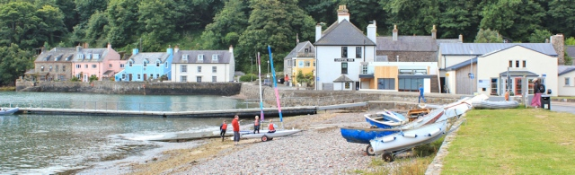 01 Dale, Ruth walking the Pembrokeshire Coast