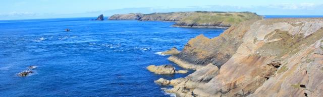 04 Skomer Island, Ruth walking the Pembrokeshire Coast Path