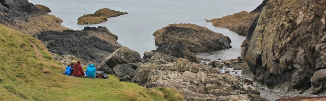 14 picknickers, Llandruidion, Ruth in Pembrokeshire, Coast
