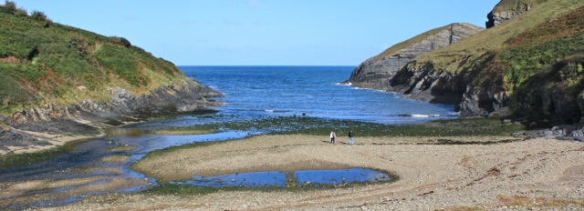 Ceibwr Bay, Ruth walking the coast in Pembrokeshire