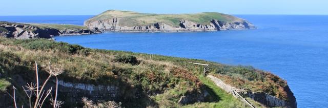 09 Cardigan Island, Ruth walking the Ceredigion Coast
