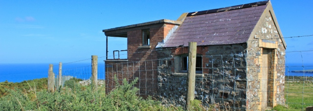 09 old hut, Cemaes Head, Ruth's coastal hike