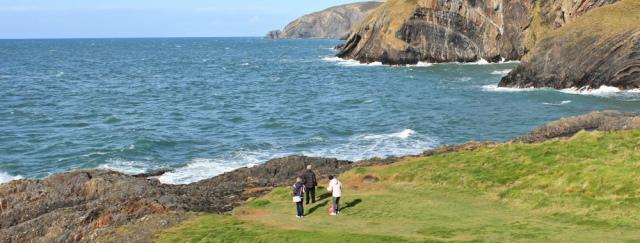 24 strollers, Ceibwr Bay, Moylgrove, Ruth's coastal hike in wales