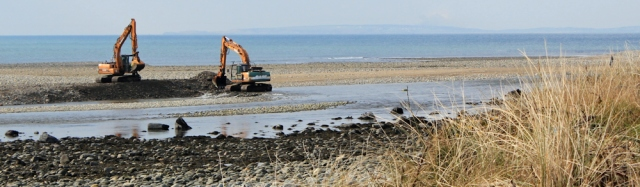 07 dredging the river, Llyn Peninsula, Ruth walking the Wales Coast Path
