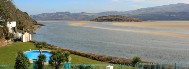 09 view over Ynys Gifftan, Ruth in Portmeirion