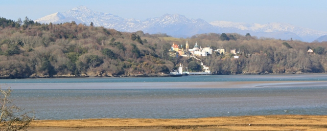 20 Portmeirion and Snowdon, Ruth walking the Wales Coast Path