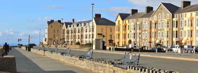 27 Barmouth sea front, Ruth's coastal walk around the UK