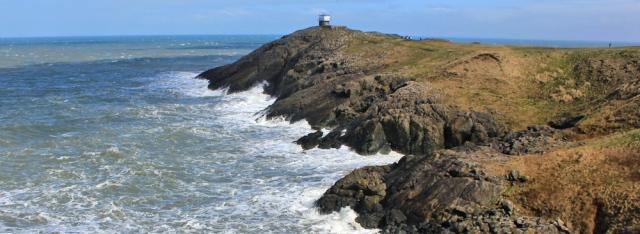 04 Lookout tower, Trwyn Porth Dinllaen, Ruth walking in Wales, Lleyn