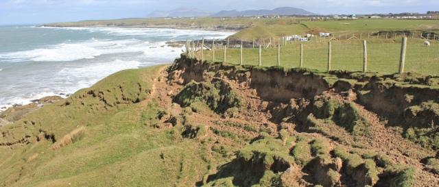 15 crumbled and muddy path, Llyn Coast