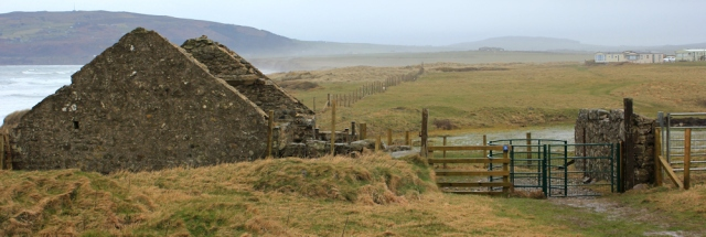 18 ruined cottages, Hell's Mouth, Ruth walking Wales Coast