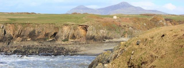 20 Aber Geirch, Nefyn, Ruth walking the Wales Coast Path, Llyn