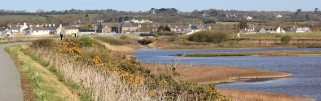 05 Malltraeth Pool, National Nature Reserve, Ruth hiking the coast in Anglesey