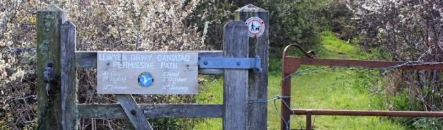 07b Llwyer Drwy Ganiatad Permissive Path, Ruth hiking in Anglesey